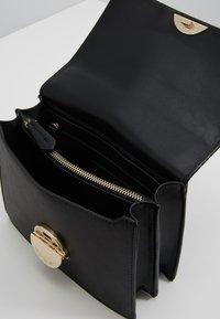 Valentino by Mario Valentino - FALCOR - Across body bag - black - 4