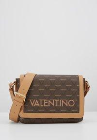 Valentino by Mario Valentino - LIUTO - Borsa a tracolla - brown multi - 0
