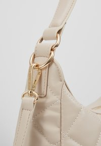 Valentino by Mario Valentino - OCARINA - Across body bag - off white - 6