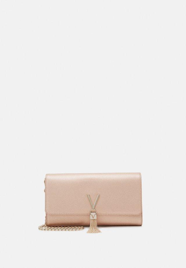 DIVINA - Pikkulaukku - oro rosa