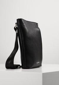 Valentino by Mario Valentino - BRONN - Skulderveske - black - 3