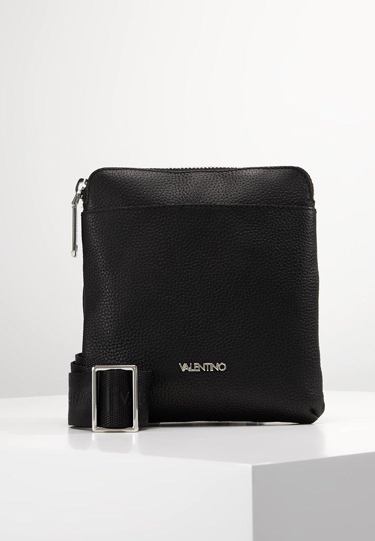 Valentino by Mario Valentino - DAVOS - Taška spříčným popruhem - black