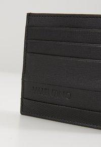 Valentino by Mario Valentino - DEAN - Käyntikorttikotelo - nero - 2