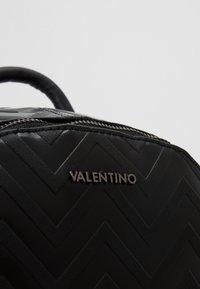 Valentino by Mario Valentino - NUTRIA EMBOSSED BACKPACK - Rucksack - nero - 7