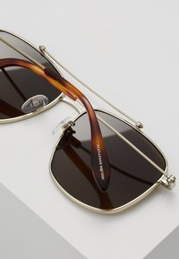 Alexander McQueen - Sluneční brýle - brown - 4