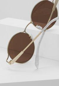 Alexander McQueen - Sonnenbrille - gold-coloured/brown - 3