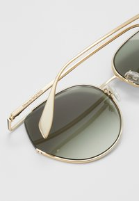 Alexander McQueen - SUNGLASS WOMAN  - Sluneční brýle - gold-coloured/green - 2