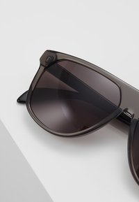 Alexander McQueen - Sunglasses - grey - 4