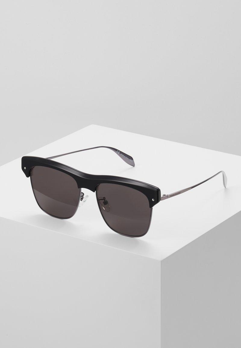Alexander McQueen - Sluneční brýle - black/ruthenium/grey