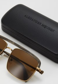 Alexander McQueen - SUNGLASS MAN - Sluneční brýle - bronze-coloured/brown - 3