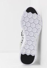 Bikkembergs - FINNEGAN - Sneakers alte - black/white - 4