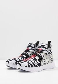 Bikkembergs - FINNEGAN - Sneakers alte - black/white - 2