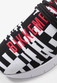 Bikkembergs - FINNEGAN - Sneakers alte - black/white - 5