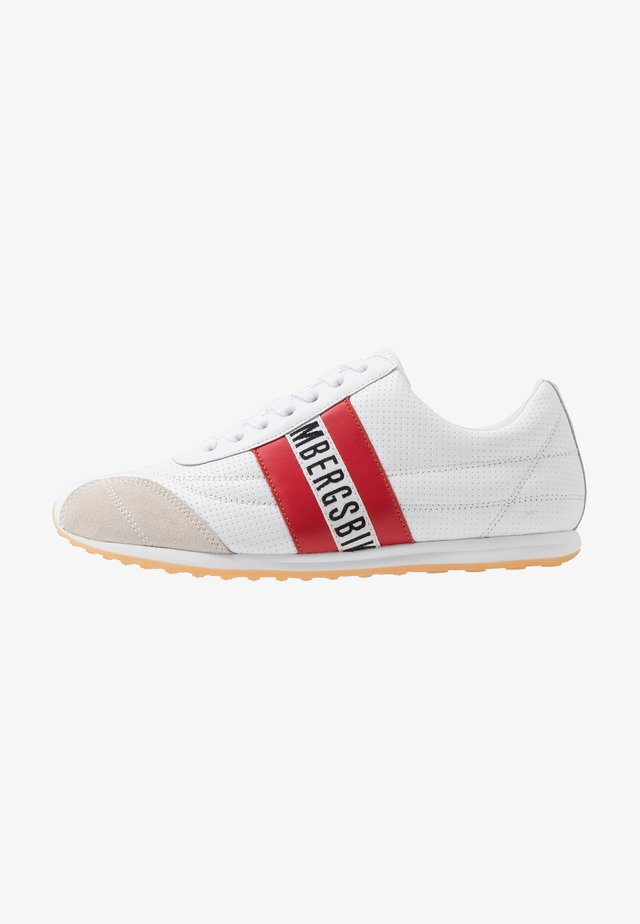 BARTHEL - Matalavartiset tennarit - white/red
