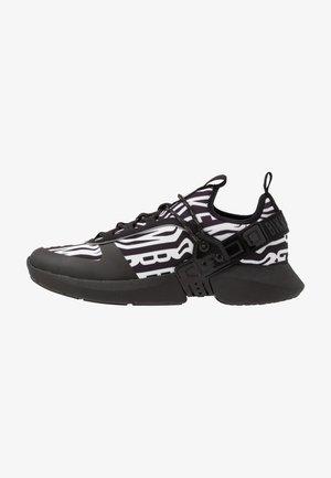 GREGG - Sneakers basse - black/white