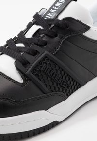 Bikkembergs - SCOBY - Trainers - black/white - 6
