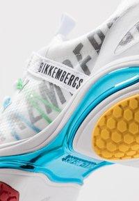 Bikkembergs - PERNEL - Baskets basses - white/multicolor olympic - 5