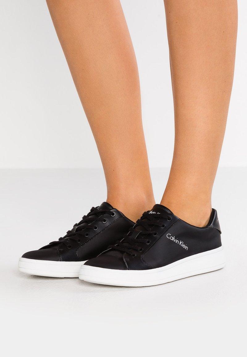 Calvin Klein - SONIA - Trainers - black