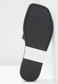 Calvin Klein - RAMIE - Sandaler - black/white - 6