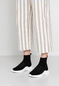 Calvin Klein - UNI - Korkeavartiset tennarit - black - 0