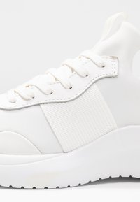 Calvin Klein - RUNNER - Joggesko - white - 2