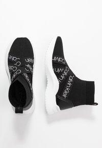 Calvin Klein - UMNEY - Vysoké tenisky - black/white - 3