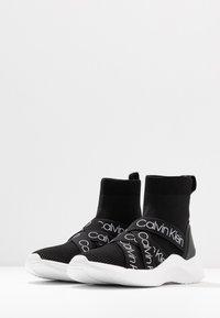 Calvin Klein - UMNEY - Vysoké tenisky - black/white - 4