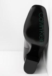 Calvin Klein - LUNA - Korolliset saappaat - black - 6