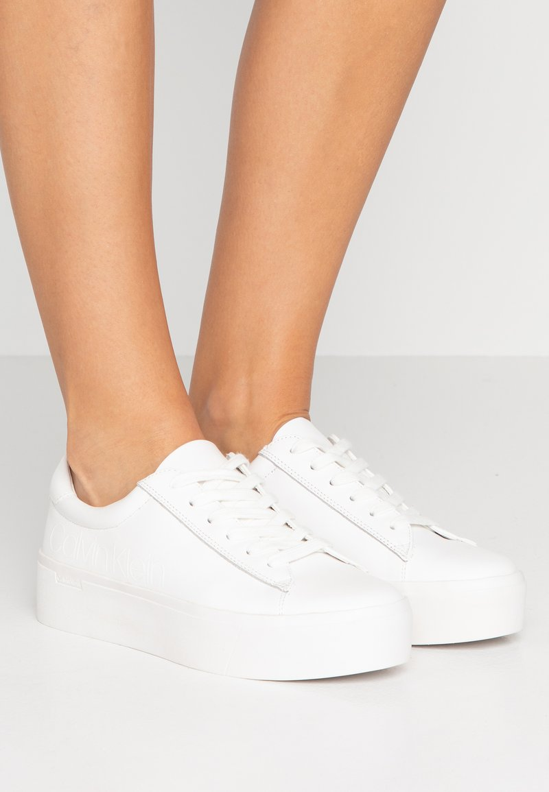Calvin Klein - JANIKA - Sneaker low - white