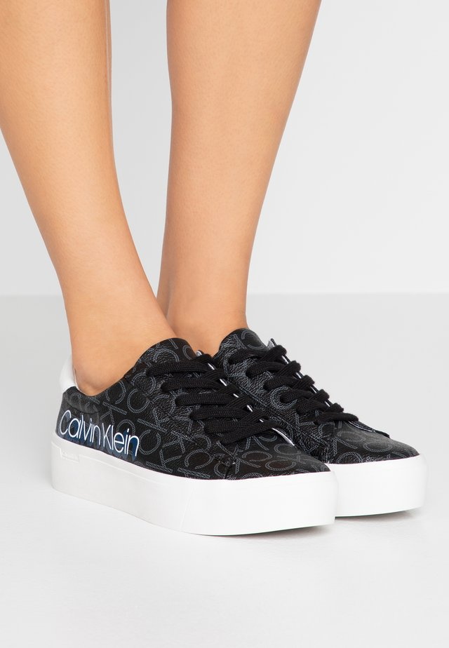 JANIKA - Sneakers - black