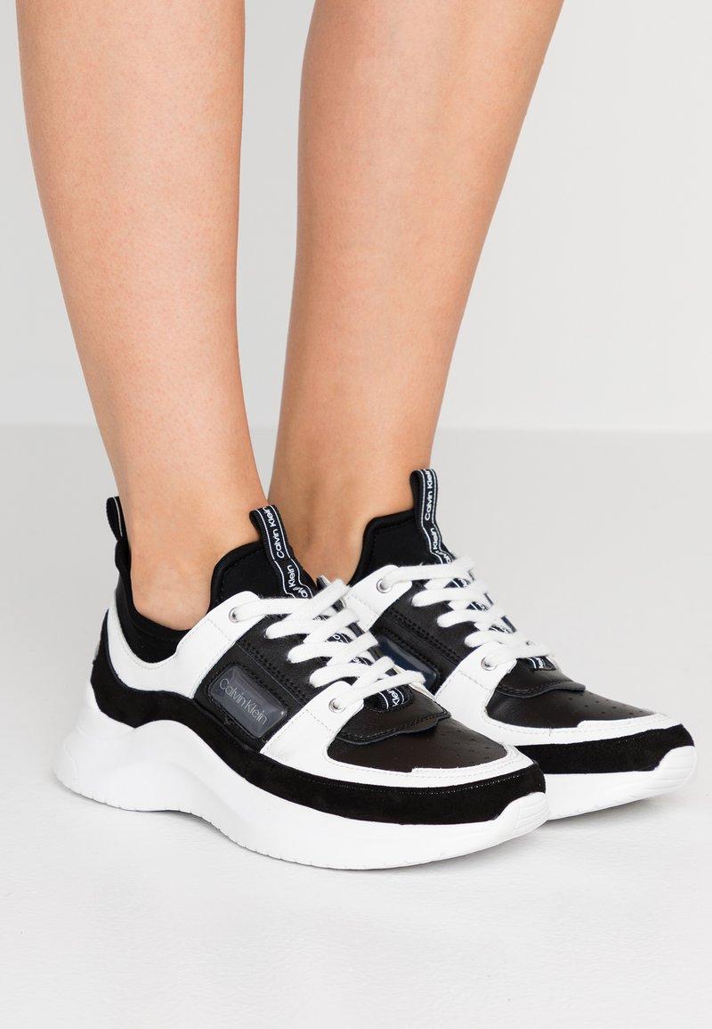 Calvin Klein - ULTRA - Sneaker low - black/white
