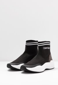 Calvin Klein - BABELE - Vysoké tenisky - black - 4