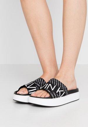 JEAMA - Sandalias planas - black/white