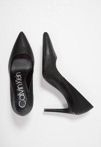 Calvin Klein - ROXY - Decolleté - black - 3