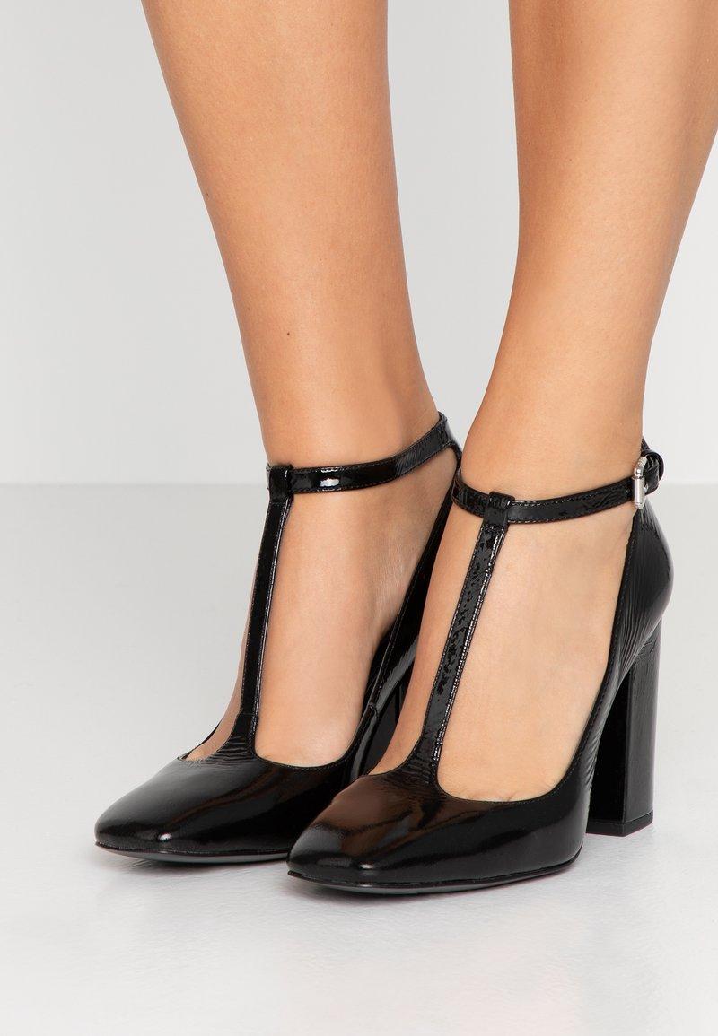 Calvin Klein - Lodičky na vysokém podpatku - black