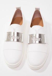 Calvin Klein - ILONA - Półbuty wsuwane - platinum white - 7