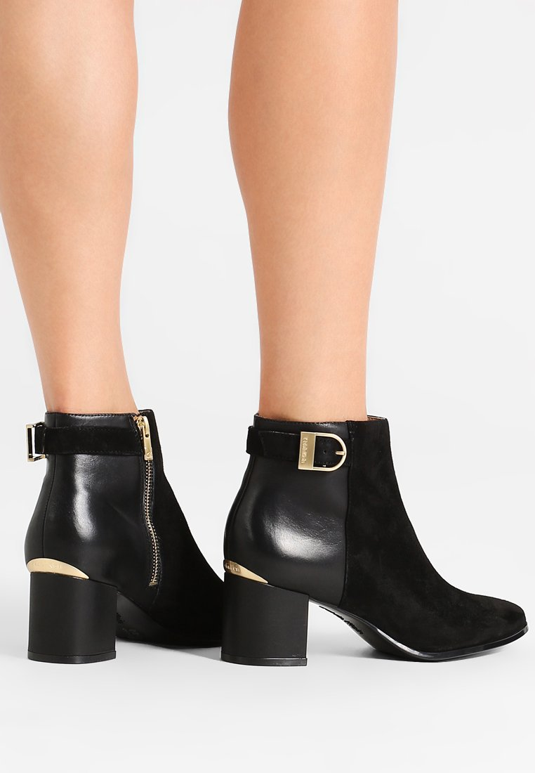 Calvin Klein - FIFI - Classic ankle boots - black