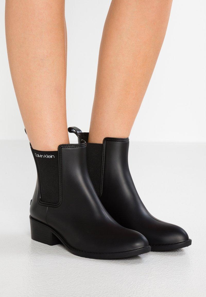 Calvin Klein - QUARTA - Regenlaarzen - black