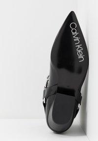 Calvin Klein - PALMMA - Kovbojské/motorkářské boty - black - 6