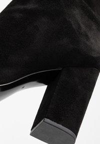 Calvin Klein - LORAH - Kozačky na vysokém podpatku - black - 2