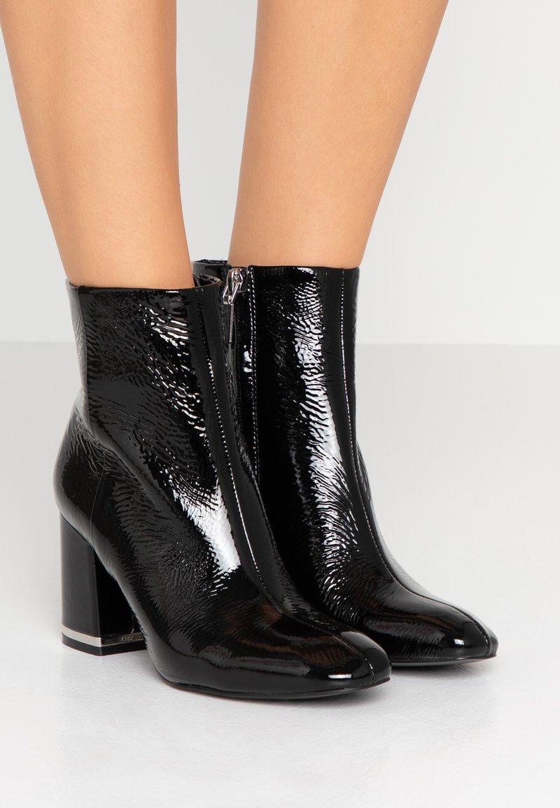 Calvin Klein - MABLE - Støvletter - black