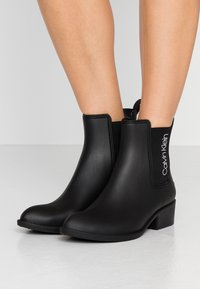 Calvin Klein - QUARTA - Gummistøvler - black - 0