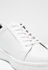 Calvin Klein - DANYA - Baskets basses - white/black