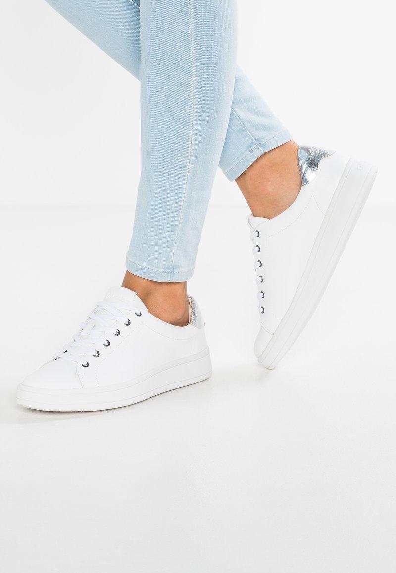 Calvin Klein - SOLANGE - Sneakersy niskie - white/silver