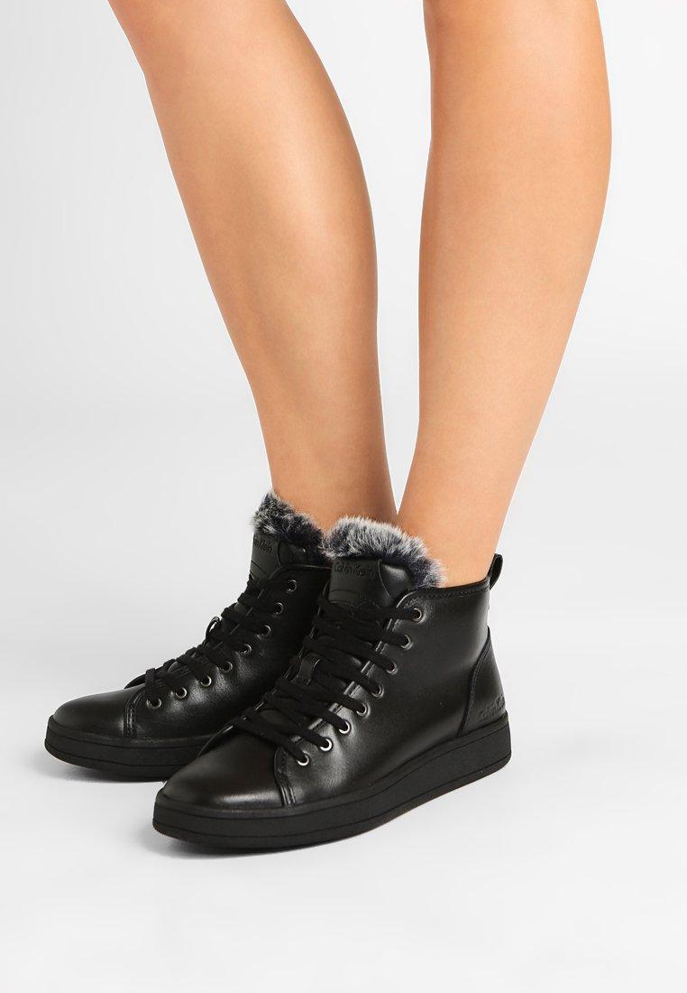 Calvin Klein - SOLEDAD - Vysoké tenisky - black