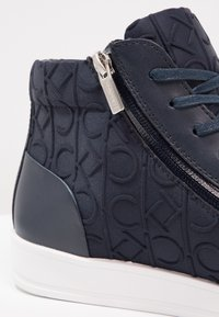 Calvin Klein - BERKE - Sneakers high - navy - 5
