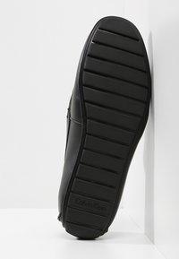 Calvin Klein - IVAN - Mokasíny - black - 4