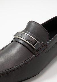 Calvin Klein - KELVIN DRESS - Mokasíny - dark brown - 5