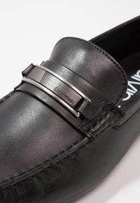 Calvin Klein - KELVIN DRESS - Mokasíny - black - 5