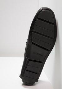 Calvin Klein - KELVIN DRESS - Mokasíny - black - 4